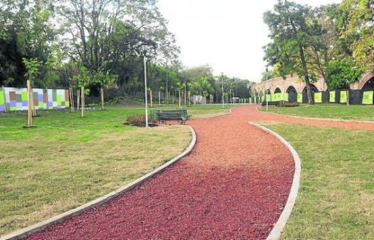 plaza-de-la-shoa