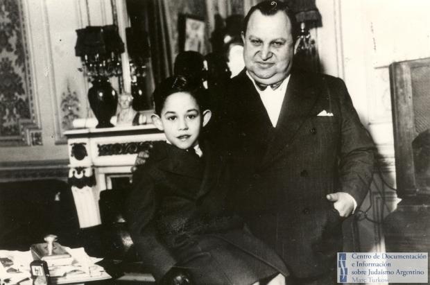 jaime-yankelevich-pionero-de-la-radiodifusion-y-television-argentina-propietario-de-radio-belgrano-junto-a-su-hijo-miguel